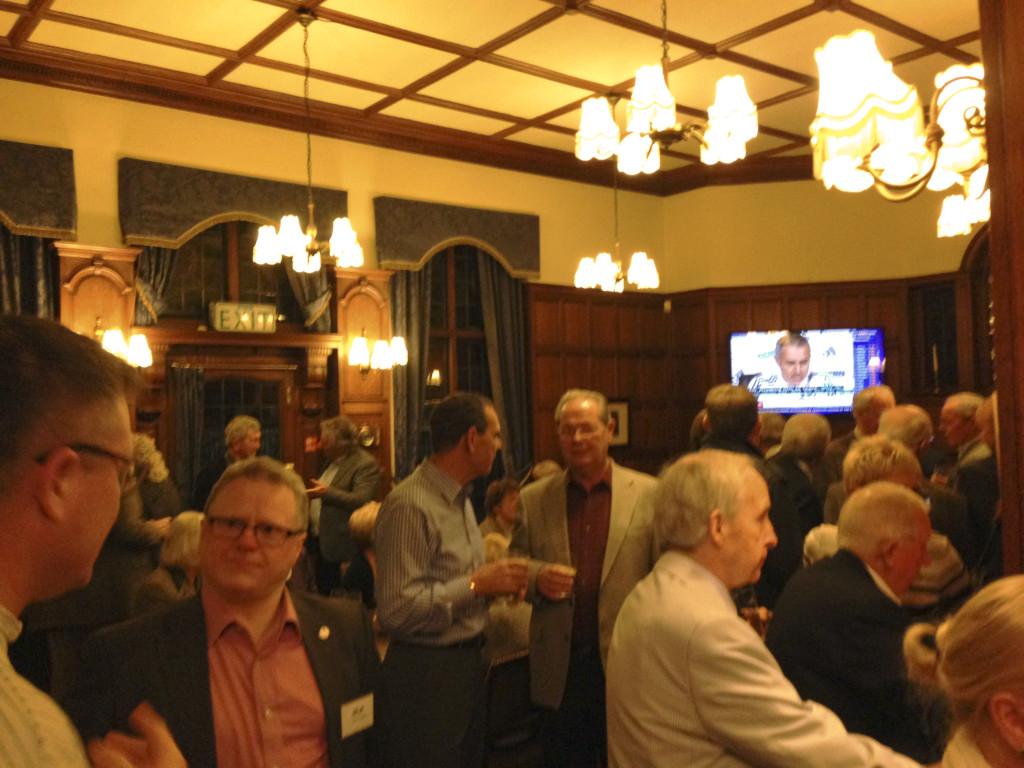 Busy bar at the Cheyne Walk Club