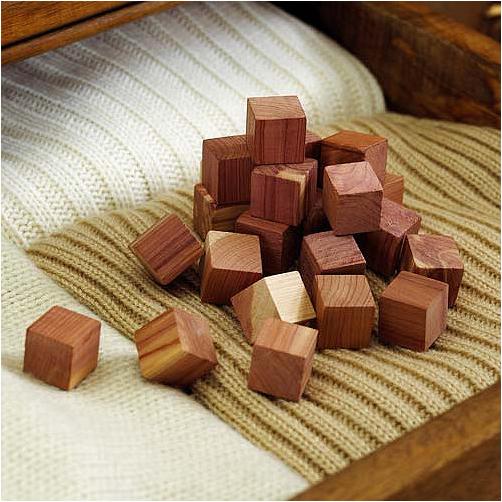 Lakeland. Cedar Cubes
