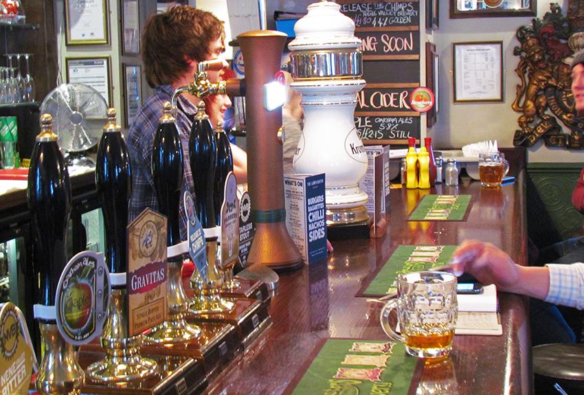 Lamplighter bar