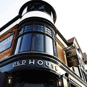 Old House Pub Northampton Exterior
