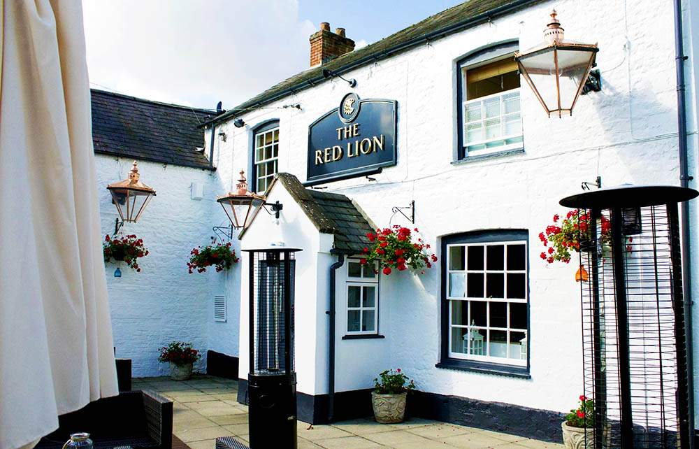 Red Lion Exterior